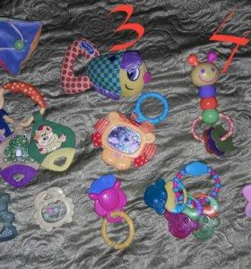 Развивающие игрушки и прорезыватели
