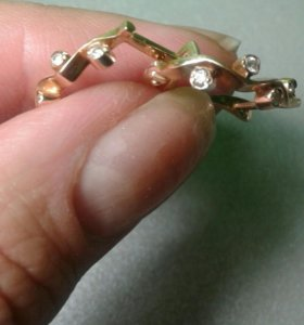 Золотые серьги с бриллиантами 0,24карат 585пробы