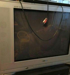 Продам телевизор + тумбочка в подарок