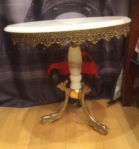 столик мраморный