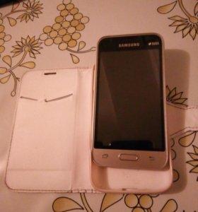 Телефон Samsung j1 Mini 2016 год