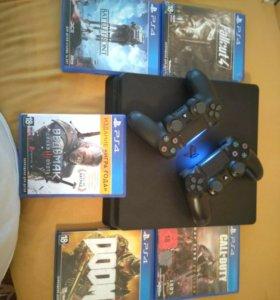 Игровая приставка PS 4