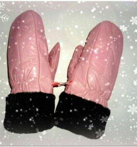 Новые рукавицы из натуральной кожи