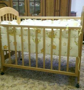 Кроватка детская с матрасом, бортиками, постельным