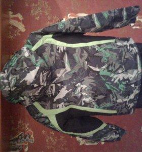 Зимний лыжный костюм для мальчика.Черно-зелёный.