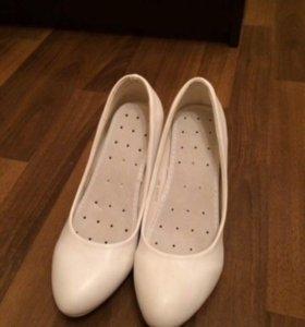 Свадебные туфли (белые)