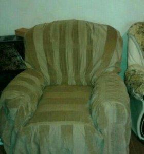 Срочно! Кожаные диван и два кресла