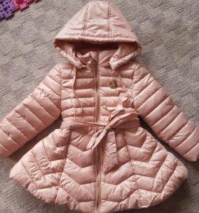 Пальто для девочки 104,