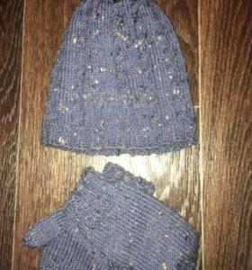 Детская шапка  и варежки ручной работы