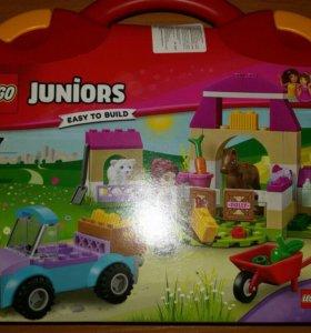 Новый lego juniors для девочек с чемоданчиком