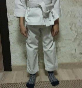 Продам кимоно DANRHO (р-р 110 )