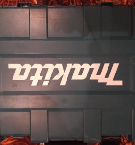 Перфоратор Макита HR4011C