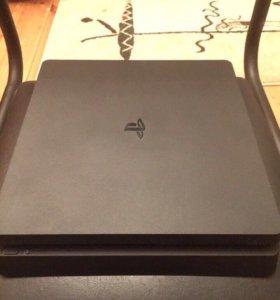 PS4 Slim (playstation 4)