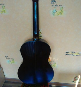 Гитара классическая с чехлом.