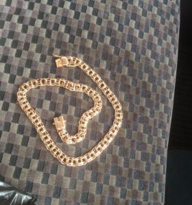 Продам золотую цепочку