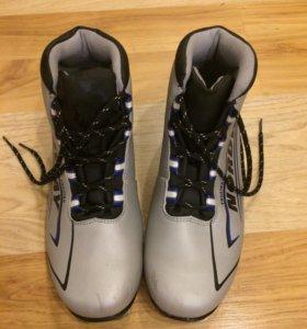 Лыжные ботинки, 42 размер