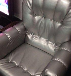 Новый. Кресло и пуфик