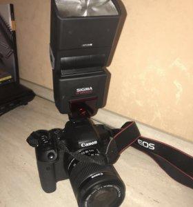 Фотоаппарат Canon eos 750D с фотовспышкой