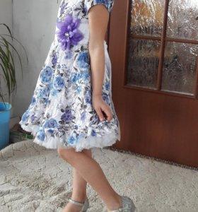 Нарядное платье на девочку 6-7 лет. Возможен торг