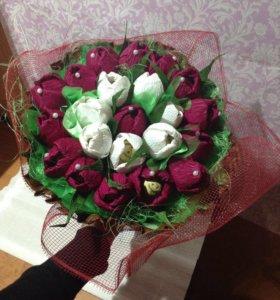 Букет тюльпанов с конфетами