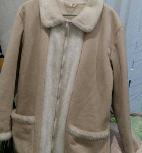 Куртка иск замша. Молочного цвета