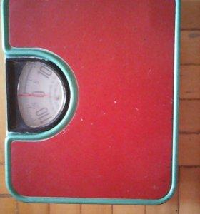 Продаю весы механические напольные (115кг)