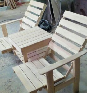 Скамейка со столиком