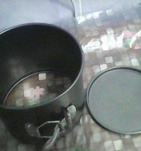 Разъемная форма для выпечки.