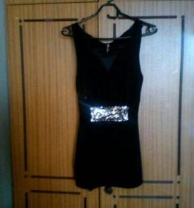 Маленькое черное платье,