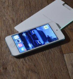 Продам iPod touch 32 ГБ (голубой)