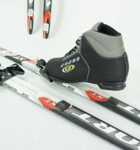 Комплект лыжный с 3х штыровым креплением (новый)