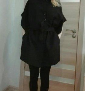Чёрное шерстяное пальто кимоно Италия