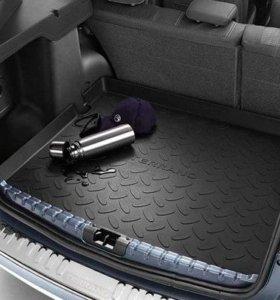 Поддон в багажник Nissan Terrano D10.