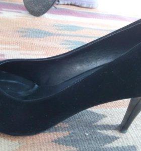 Продам туфли замш.