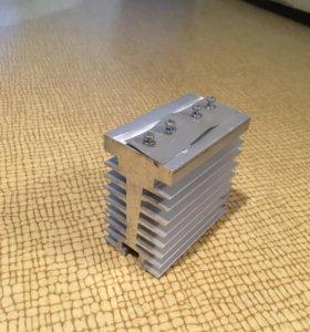 Алюминиевый радиатор для радио деталей