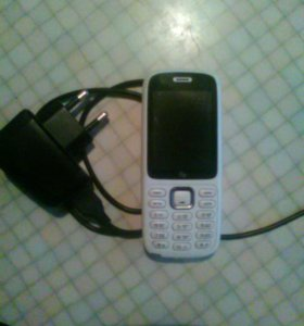 Телефон fly с двумя сим картами.