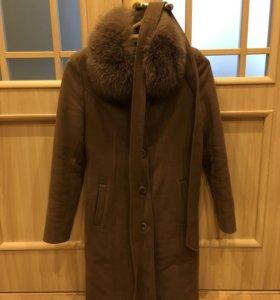 Пальто осенне-зимнее с натуральным мехом