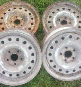 Штампованные диски на R15 ваз 4х4 не ушатоные