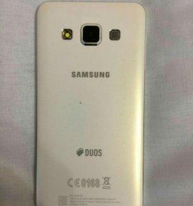 Телефон Galaxy A3