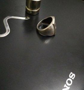 Кольцо серебренное печатка
