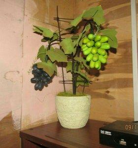 Виноград, ручная работа