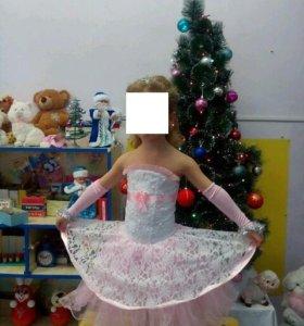 Платье для принцессы со шлейфом