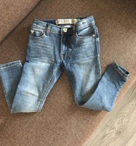 Детские джинсы guess