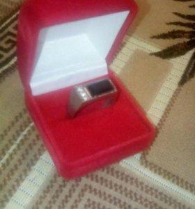 Кольцо с коробкой