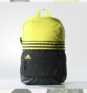 Рюкзак adidas оригинальный в среднем состоянии