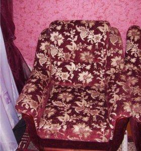 2 мягких кресла