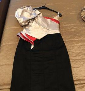 Платье  Karen Millen вечернее красивое с декольте