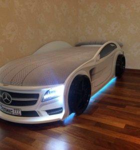 Кровать Машина мерседес серии UNO белый
