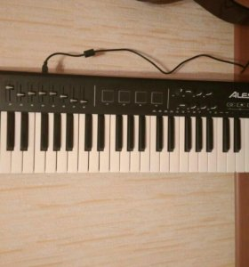 Midi клавиатура Alesis QX49