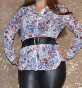 Блузка с цветным принтом 48-50 размер